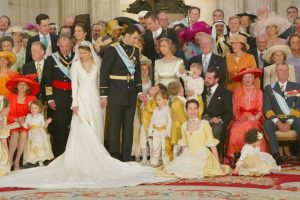 España. El rey se sube el sueldo 40.000 euros hasta los 7'82 millones. Costo de la monarquía se estima en 560 millones