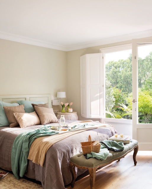 dormitor in tonuri naturale de culoare