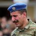 Σπαρακτικέs εικόνες: Οι δακρυσμένοι Εύζωνες στην κηδεία του φίλου τους (photos+video)