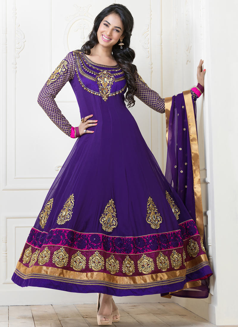 Karishma Kapoor In Designers Anarkali Suits 2013 The