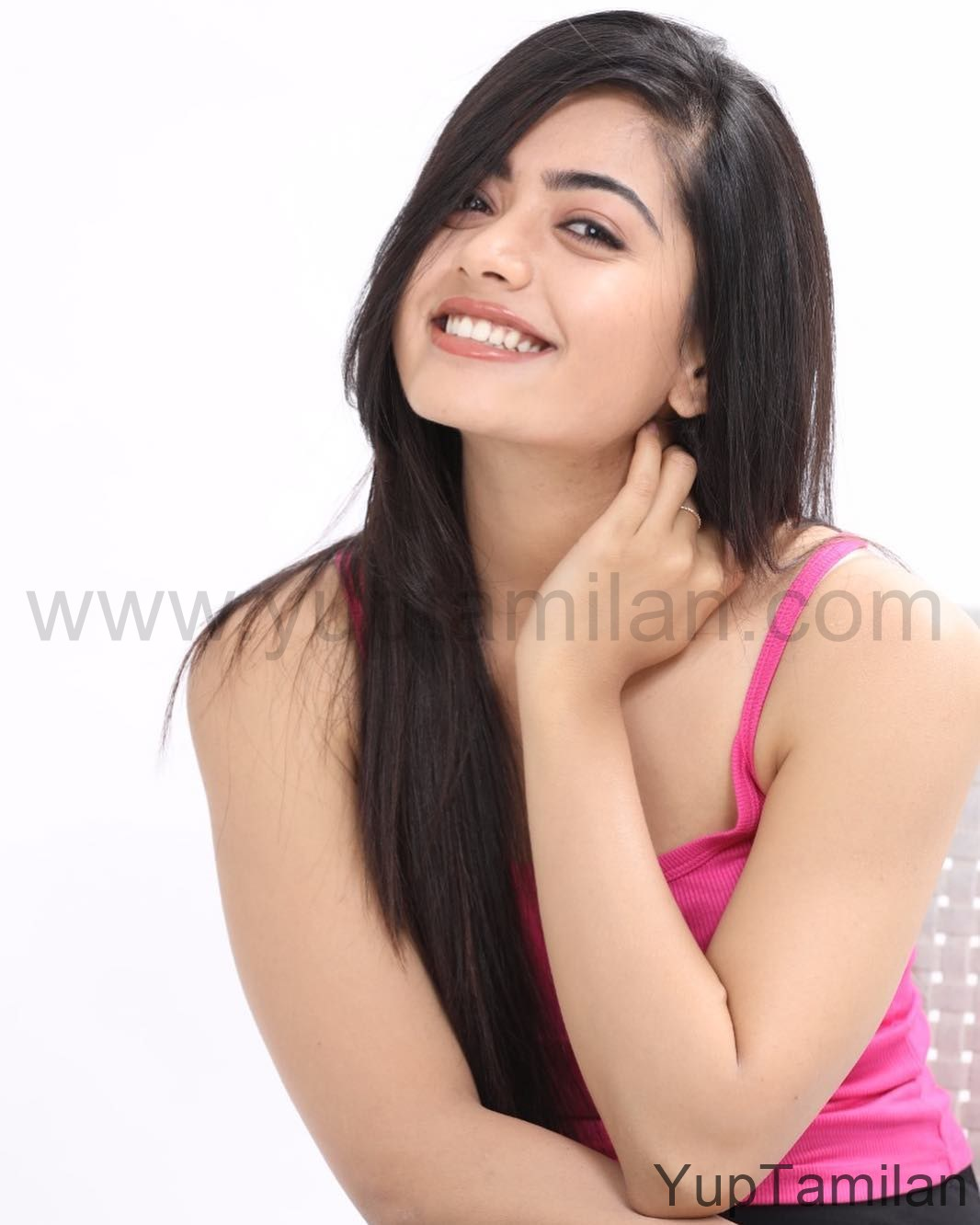 Rashmika-Mandanna-Hot-Pictures-Instagram-Photos