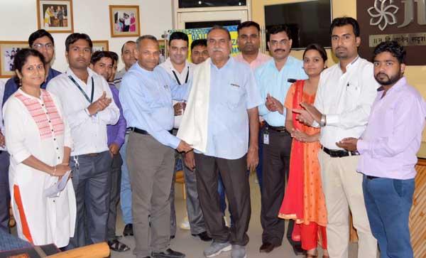 भारतीय चिकित्सा केन्द्रीय परिषद के सदस्य नामांकित होने पर जीवा द्वारा सम्मानित
