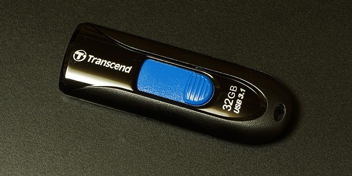 トランセンド「JetFlash 790」はUSB3.0対応