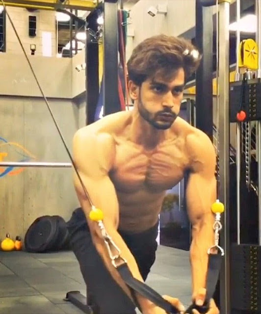 Rohit Khandelwal Workout in gym