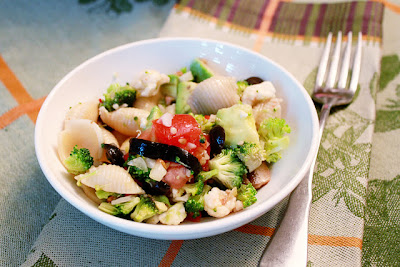 It Bakes Me Happy: Vegetable Pasta Salad