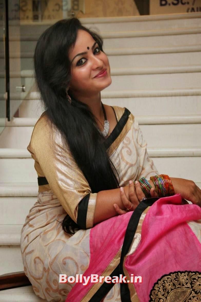 Tamil Bhabhi Actress Sexy Photos In Saree - 8 Pics-7217