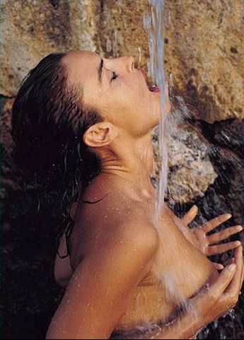 Hot girls Monica Bellucci nude Italian model & actress 5