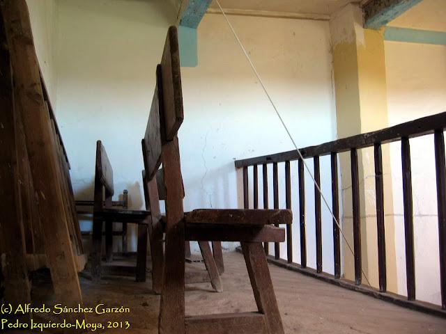 iglesia-santa-elena-pedro-izquierdo-coro-escalera