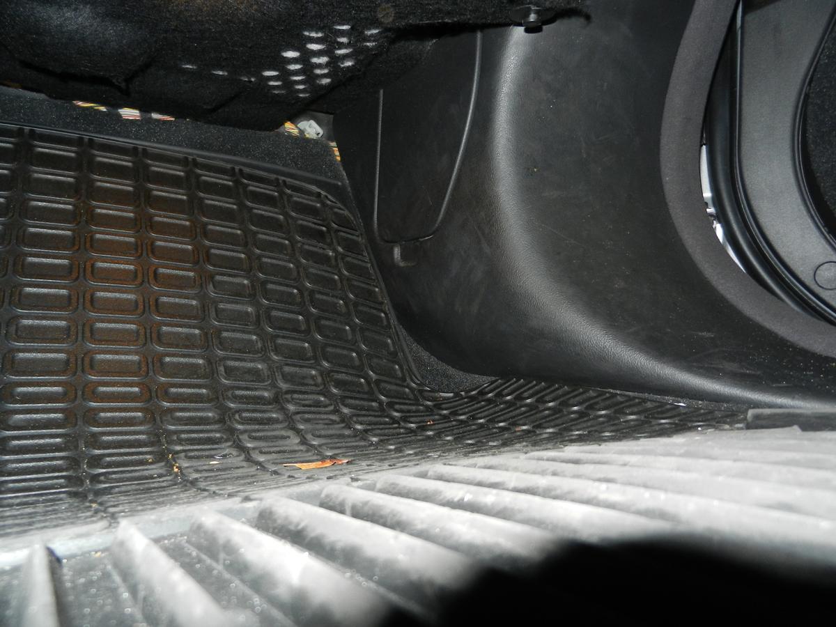 jaghelp com 2005 xj fuse location and id cabin fuse box jaguar xf passenger  [ 1200 x 900 Pixel ]