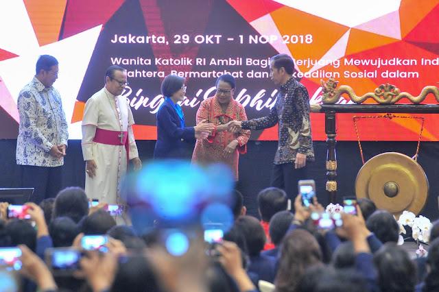Inilah Jawaban Presiden Jokowi Soal Isu PKI, Antek Asing, dan Harga Bahan Pokok Naik