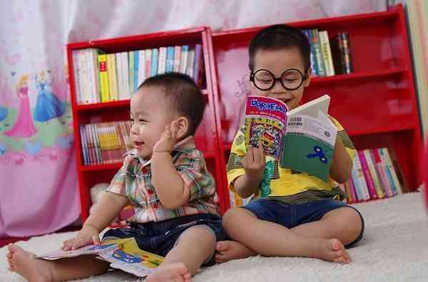 11 Cara Melatih Anak Suka Membaca Buku