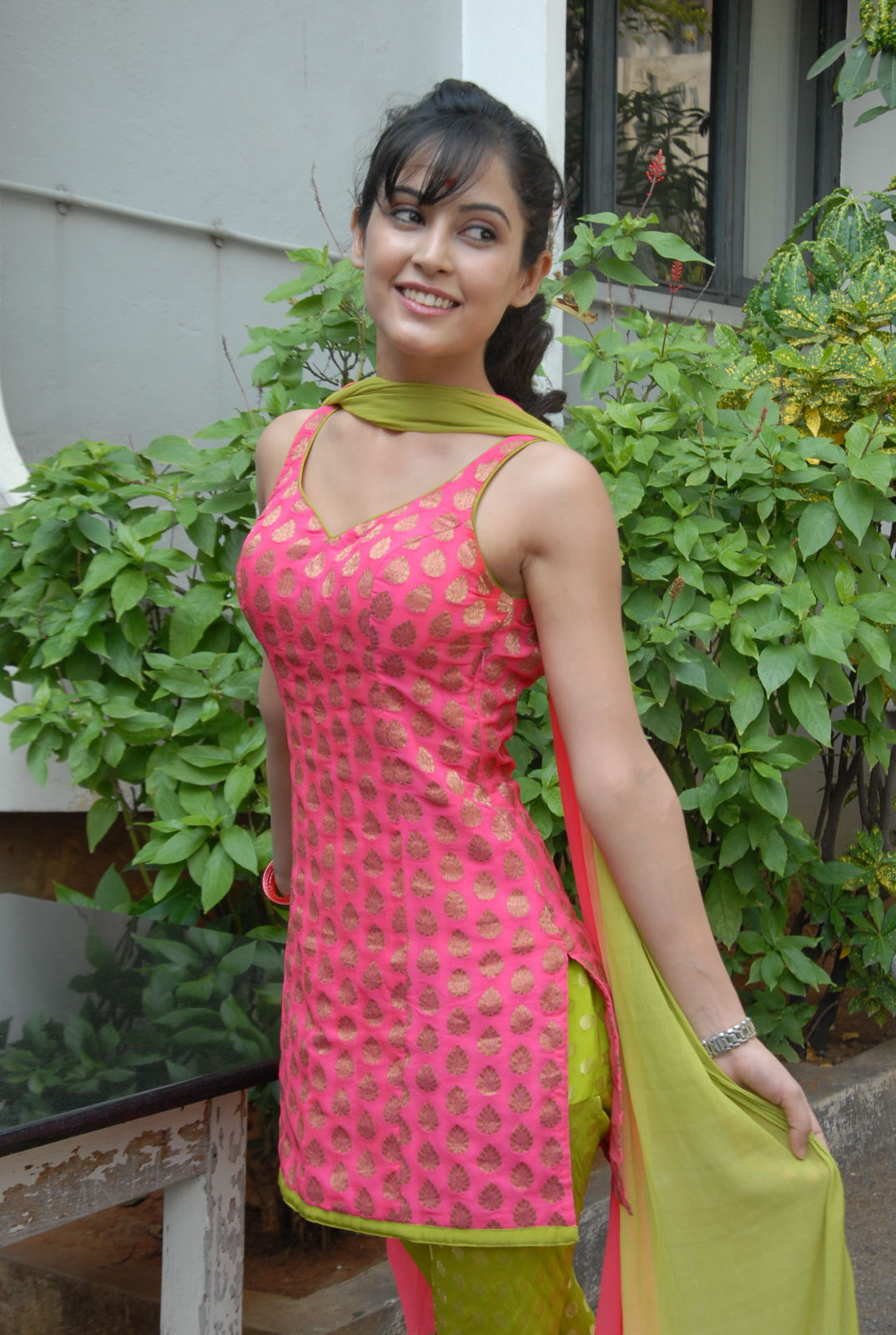 rosy pinky Disha pandey latest glamorous photo shoot gallery