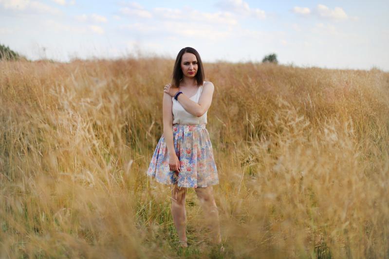 http://annaonopiuk.blogspot.com/2015/07/letnia-stylizacja.html