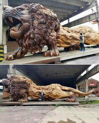 Escultura de madera gigante