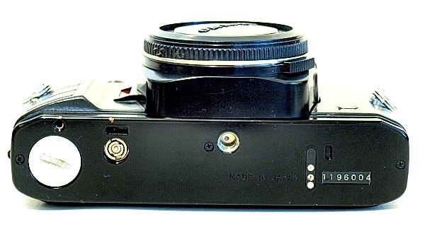 Olympus OM40, Bottom