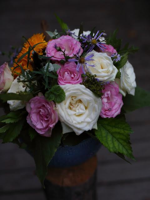 itsetehty kukkakimppu, selfmade flowerbouquet