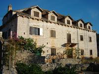 Kuća Cerinić-Gligo, Bobovišća, otok Brač slike