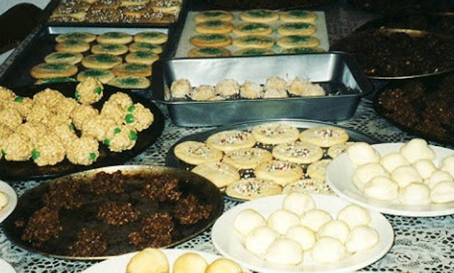 assorted cookies for gift trays