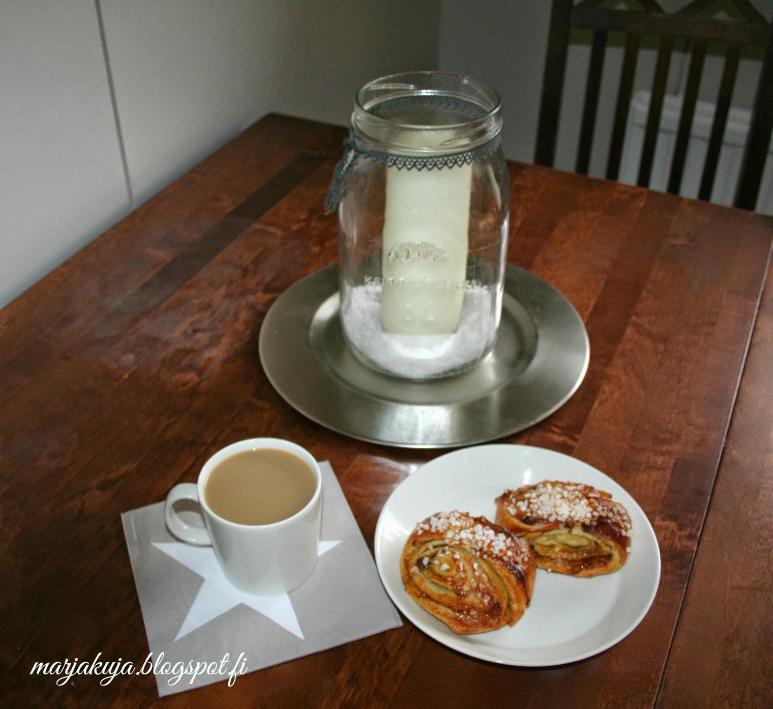 korvapuustit ja kahvi