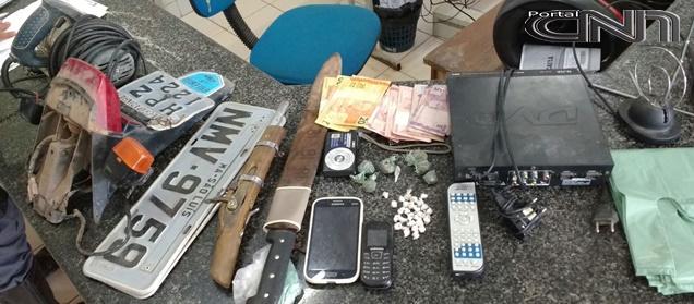 Durante Operação, Polícia Civil e Militar cumprem mandado de prisão e apreende armas, drogas e veículos roubados em Mata Roma