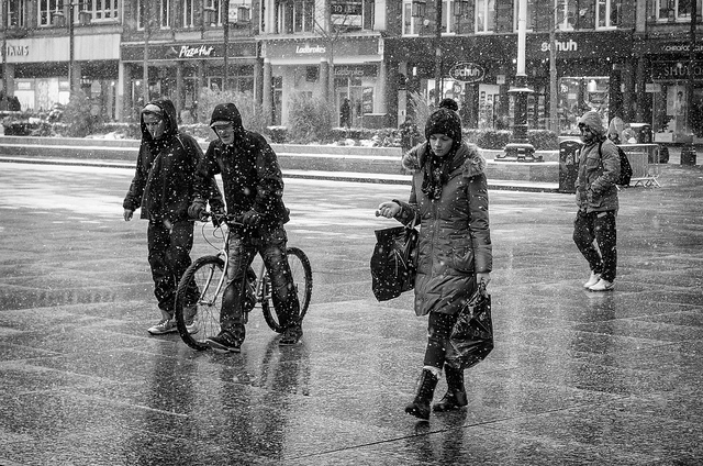Beautiful black and white street portraits by alfie wright talented amateur photographer based in nottingham england