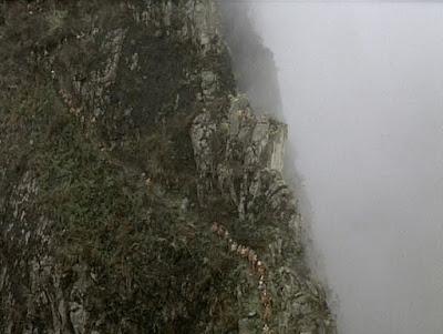 Imagen de los Andes en una escena inicial de la película Aguirre, la cólera de Dios. Tecnoculturas.com