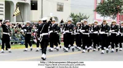 Foto de la Escuela Nacional de Marina Mercante ENAMM en Desfile 2012 por Jesus Gómez
