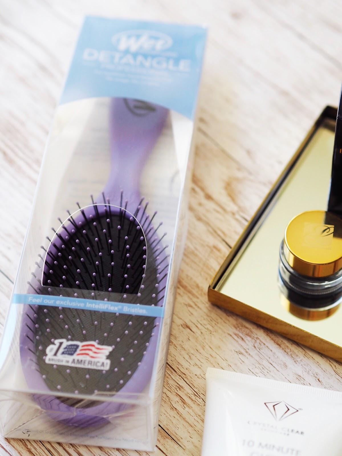 ideal world bloggers box beauty product review wet brush pro