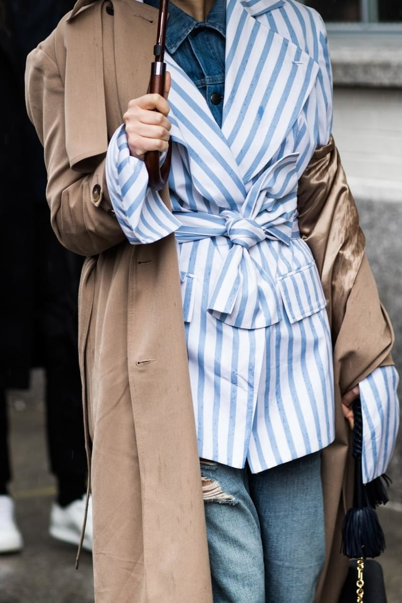 Fall Layered Outfit Inspiration - Street Style Stripes And Denim