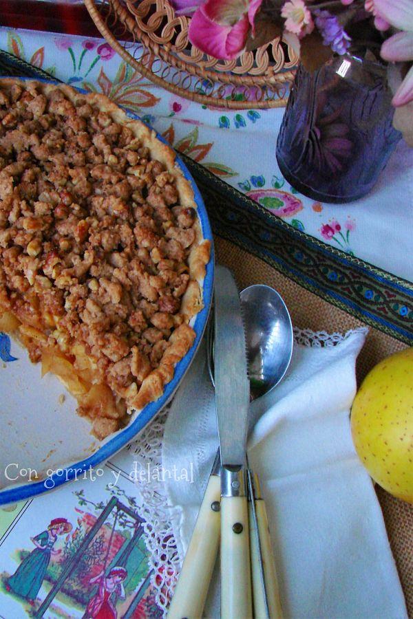 apple-crumble-pie-o-tarta-manzana-crujiente-con-gorrito-y-delantal