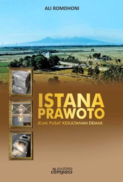 contoh cover buku sejarah walisongo