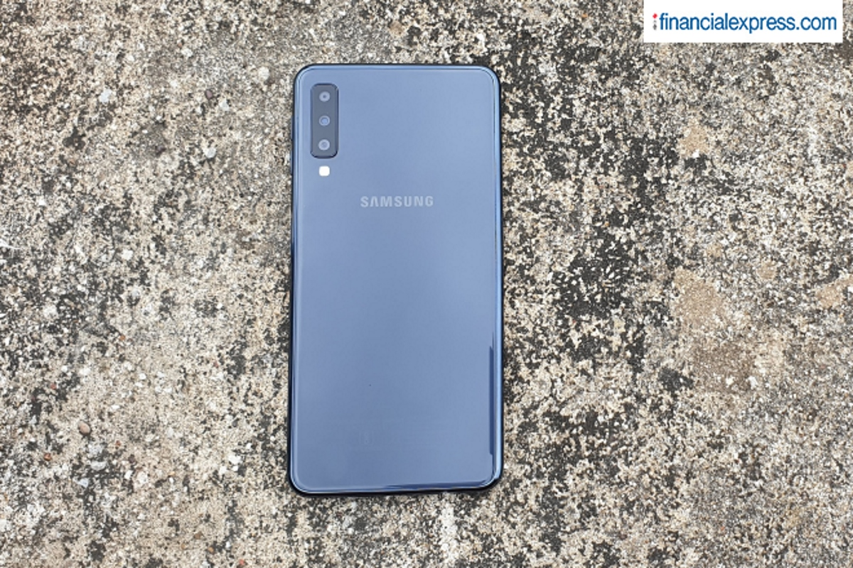 05ddd71394e Samsung is vying for the top spot in the premium smartphone category and  its new Galaxy A7 is the best candidate to help achieve it.