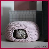 Casa para gatito en trapillo