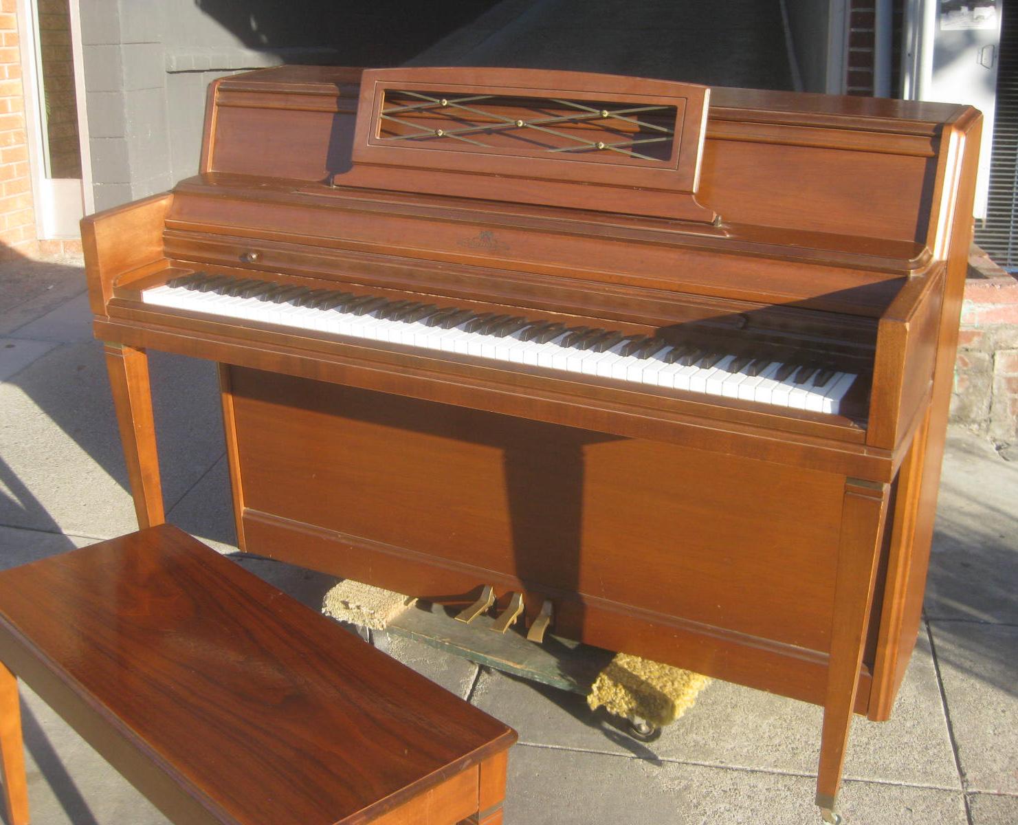 Uhuru Furniture Amp Collectibles Sold Wurlitzer Console
