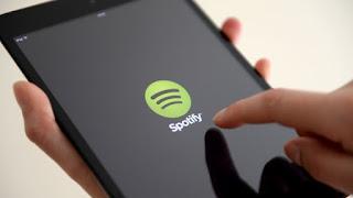 استجاب صانع iPhone لادعاءات سبوتيفي بأن نموذج أعمال آبل يمنحها ميزة غير عادلة على منافسيها.