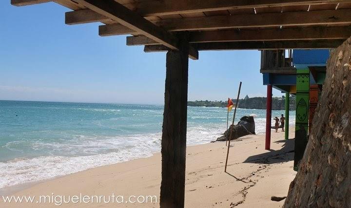 Bingin-Beach-playa-peculiar