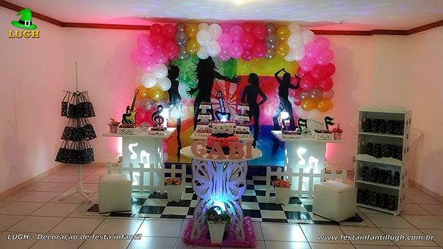Decoração festa de aniversário infantil tema Discoteca em mesa provençal