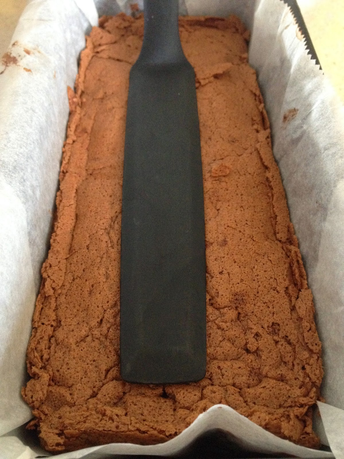 gâteau mousse au chocolat, chocolat, mousse, cuit, cru, raw food, sans gluten,  gluten free, valrhona, easter, pâques