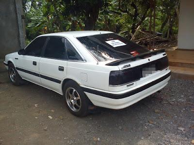 Mazda 626 Capella belakang