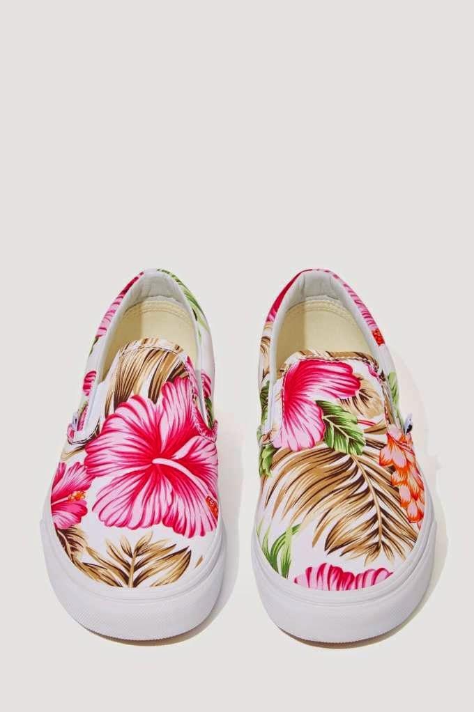 Sneaker - Hawaiian Floral  - She wanders She finds