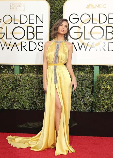 Emily Ratajkowski Wear Sexy Yellow Silk Dress At 2017 Golden Globes
