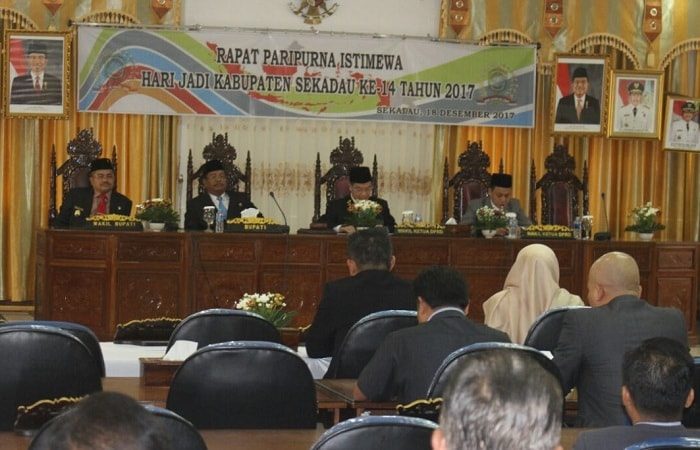 DPRD Rapat Istiwewa Hari Jadi Sekadau Ke 14 Tahun