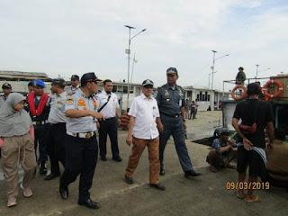 Fasilitas Tunggu Penumpang Di Terminal Kapal Laut Kali Adem Muara Angke Butuh Perhatian