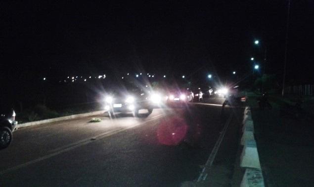 ARARIPINA-Motociclista é atacado e esfaqueado na Avenida Perimetral de Araripina