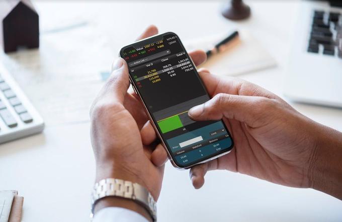 Non solo svago: quale smartphone scegliere per il lavoro in azienda?