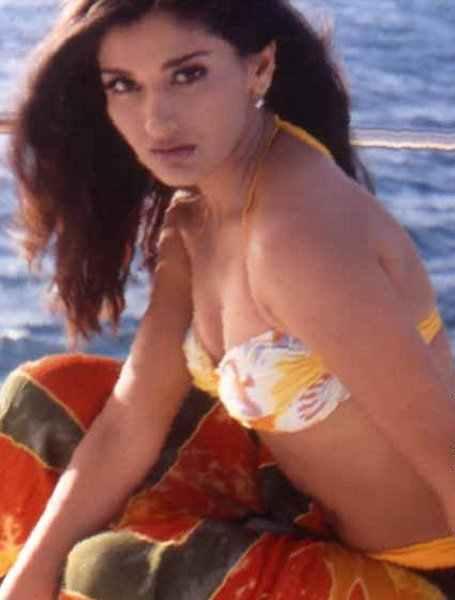 Indian Sexy Actress Images Sonali Bendre Bikini Photos-5124