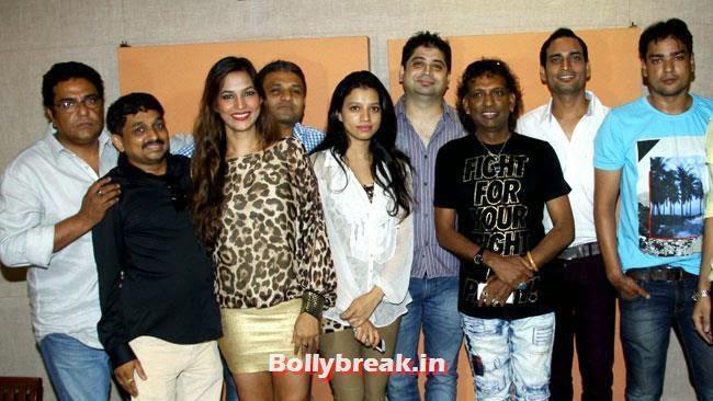 Madhvi, Deepaansh, Tanisha, Zakir, Mahi and Ram Raja, Tanisha Singh at 'Game Paisa Ladki' Song Recording