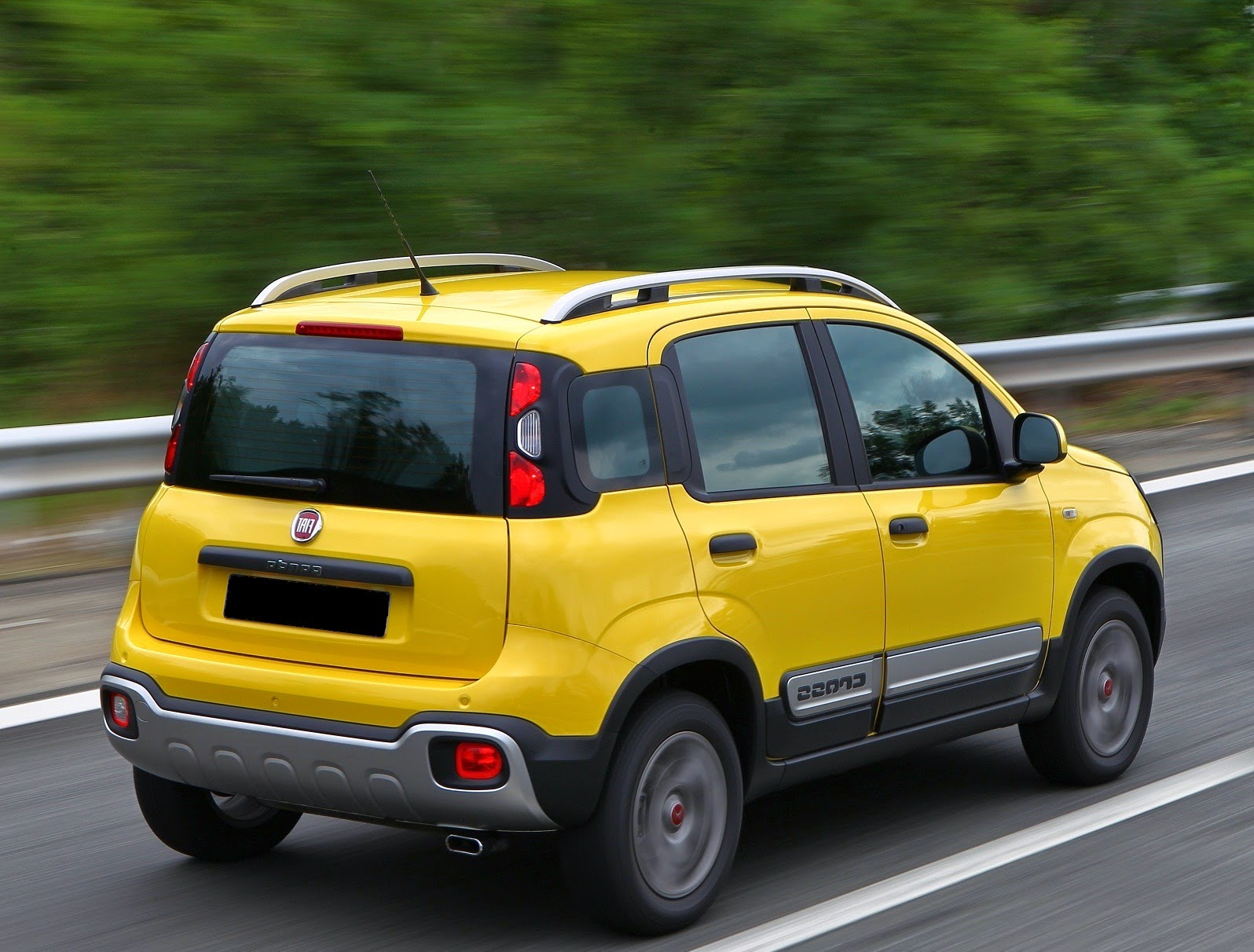car reviews new car pictures for 2018 2019 2015 fiat panda cross review. Black Bedroom Furniture Sets. Home Design Ideas
