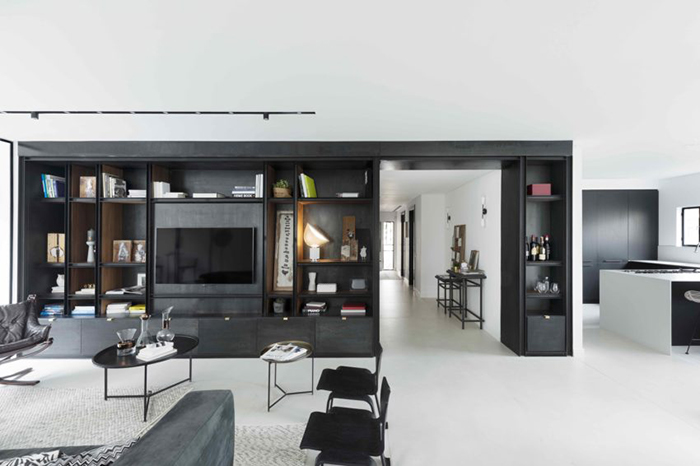 Thiết kế nội thất căn hộ chung cư 150m2 với hai màu đen trắng- 4
