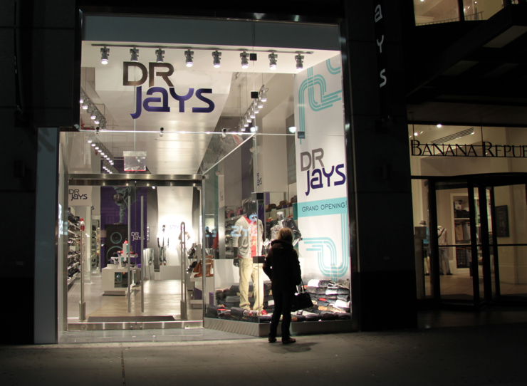We found list of 35 store websites similar to Drjays from about 21,+ online company shops in total. There are about 67 online shopping sites like Drjays to be specific, but only 35 below given brands and companies are most likely to be similar.